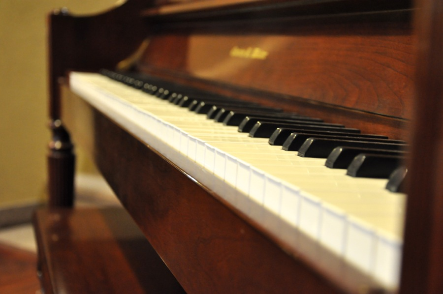 Should I Hire Piano Movers?